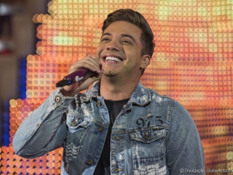 Wesley Safadão mantém agenda de shows após passar mal