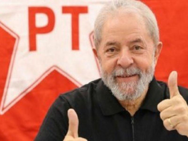 Pesquisa Vox Populi aponta que o ex-presidente Lula ampliou vantagem sobre adversários