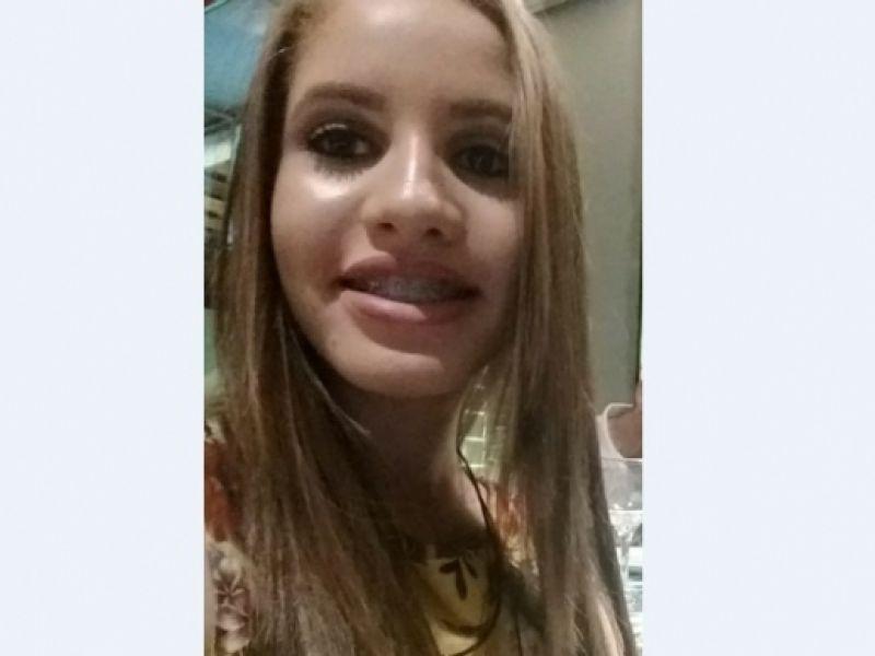 Garota de 16 anos sai de casa para ir à escola e desaparece misteriosamente em Penedo