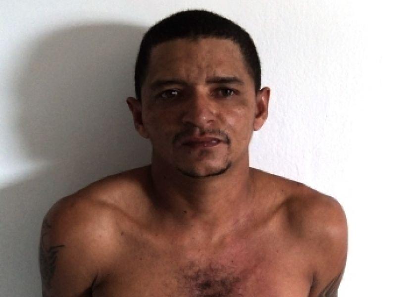 Homem que fugiu da delegacia de Penedo usando palito de fósforo será julgado em setembro