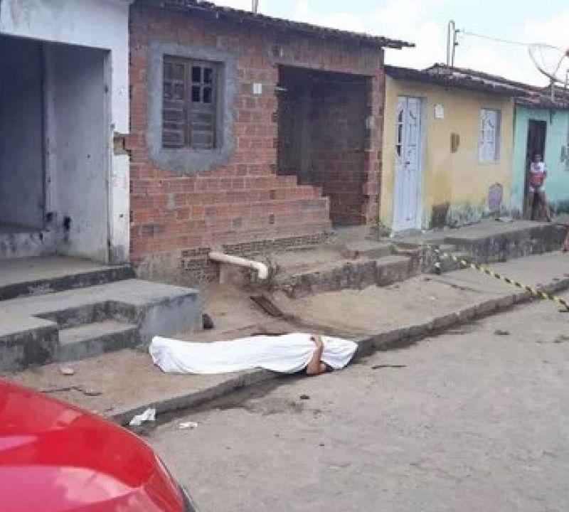 Jovem de Penedo é executado a tiros em São Sebastião dois meses após assassinato do pai