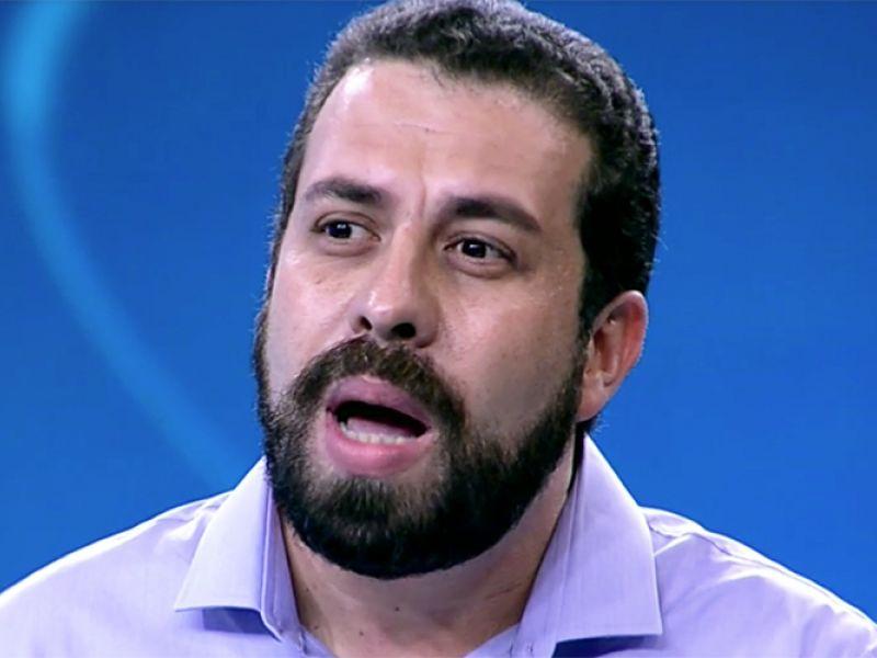 Ao vivo, Guilherme Boulos critica TV Globo e viraliza na web