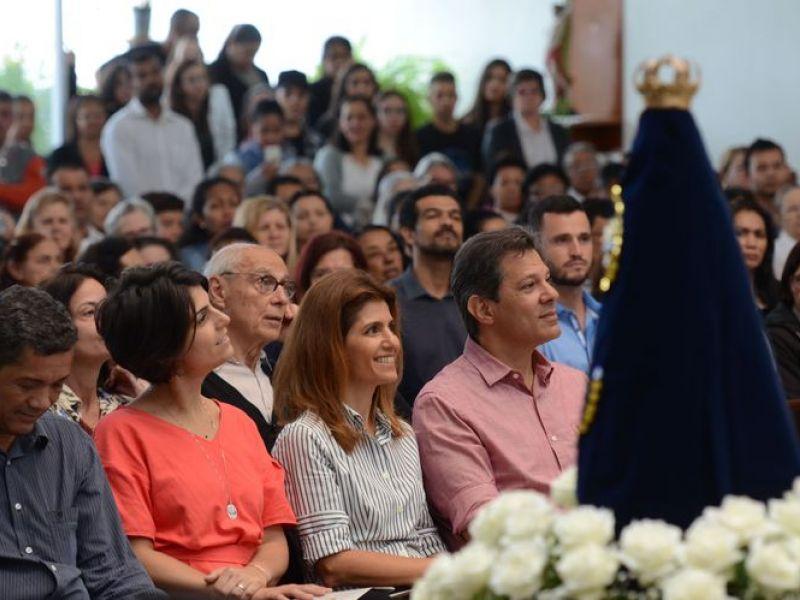 Após missa, Haddad pede paz e promete assistência à infância