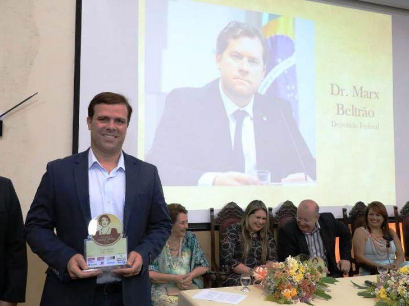Deputado Marx Beltrão é homenageado em prêmio de incentivo à cultura alagoana