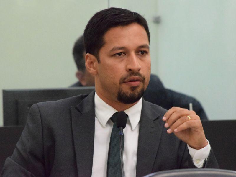 Rodrigo Cunha lança seleção pública para preencher cargos em seu gabinete de Brasília