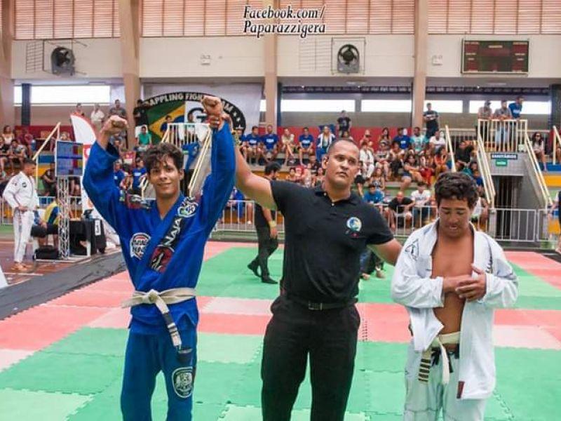 Jovem de Penedo se destaca e vence disputas em campeonatos de jiu-jitsu