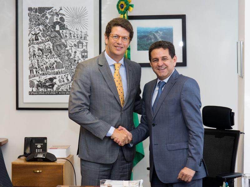 Ricardo Salles assume o posto de ministro do Meio Ambiente