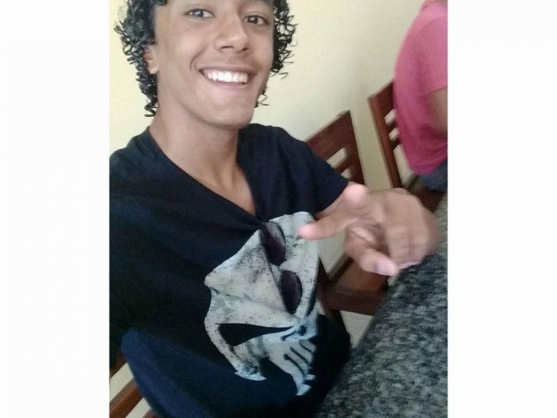 Estudante penedense de 16 anos passa em teste para Federação Alagoana de Vôlei