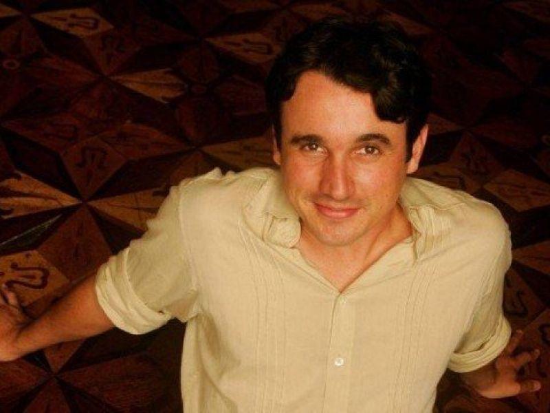 Morre o ator Caio Junqueira, uma semana após acidente de carro no Aterro