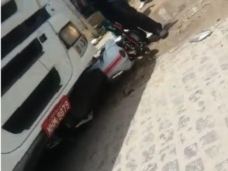Caminhão passa por cima de motocicleta após descarrego de mercadorias em Penedo