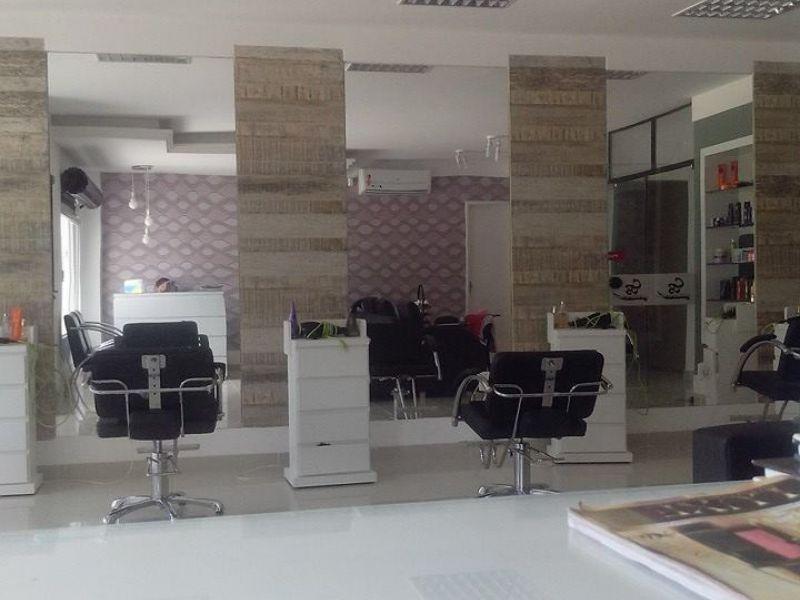 Salão de beleza de grande porte oferece oportunidade de emprego em Penedo
