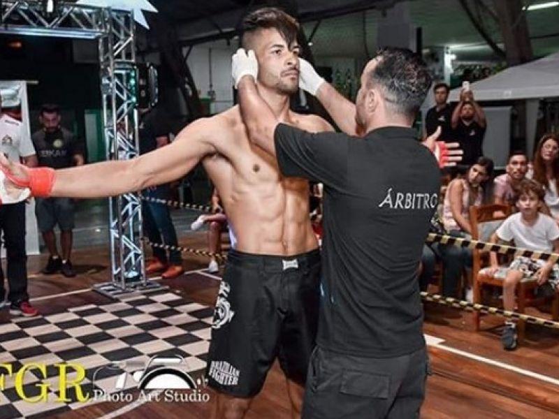 Lutador de MMA natural de Penedo participará de competição mundial neste sábado (16)