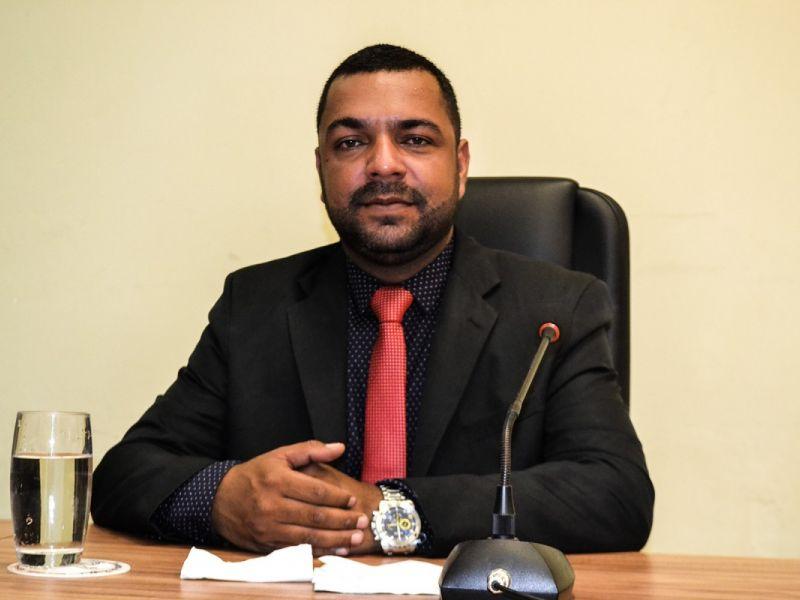 """Instalação de UTI é """"o maior projeto para Penedo"""", avalia vereador João Lucas"""