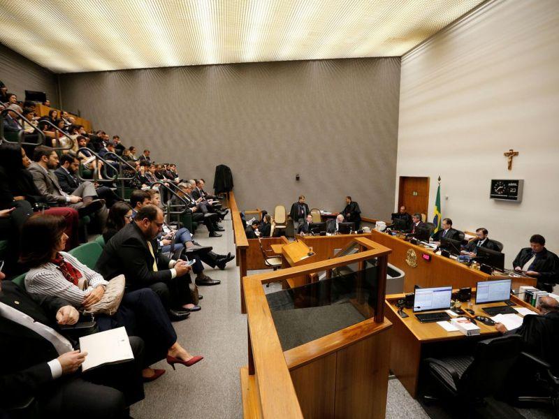 Maioria do STJ decide reduzir pena do ex-presidente Lula