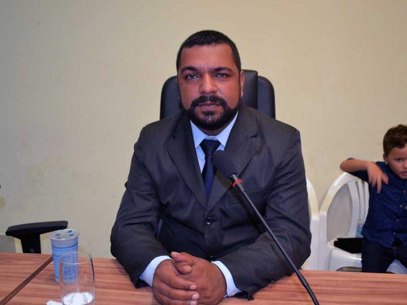 João Lucas anuncia afastamento do rádio e da Câmara de Vereadores de Penedo