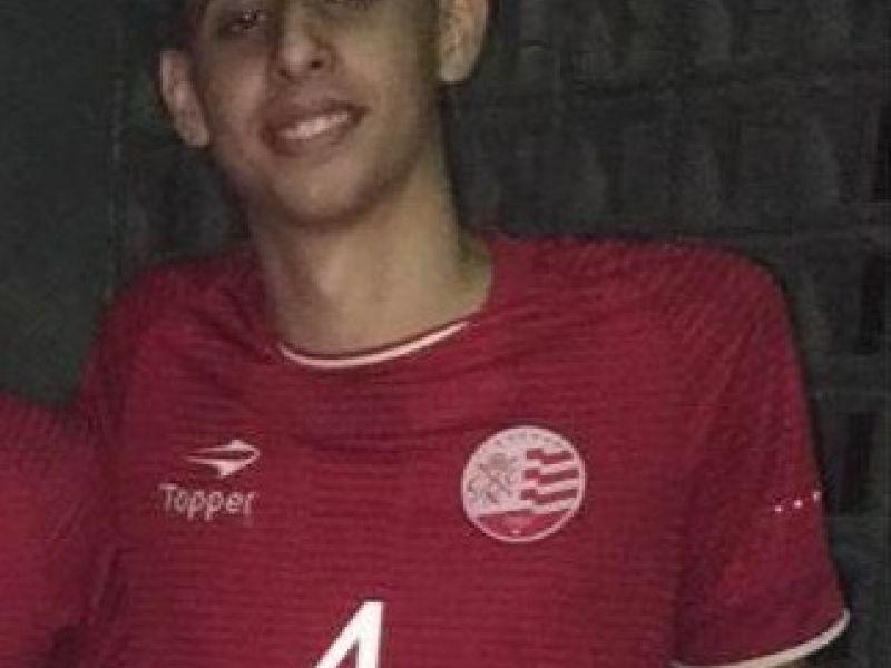 Jovem penedense passa a integrar seleção de vôlei do Náutico de Recife