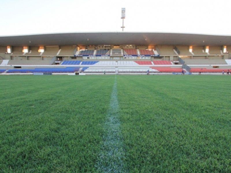 Projeto que altera o nome do estádio Rei Pelé para Rainha Marta será votado na próxima semana