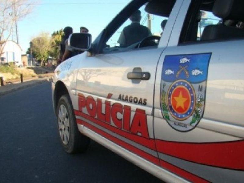 Estudantes são rendidos e roubados dentro de ônibus escolar por homens encapuzados