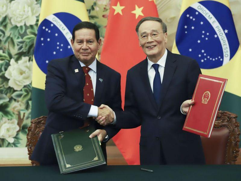 Mourão inclui Embraer, carnes e sementes em agenda com a China