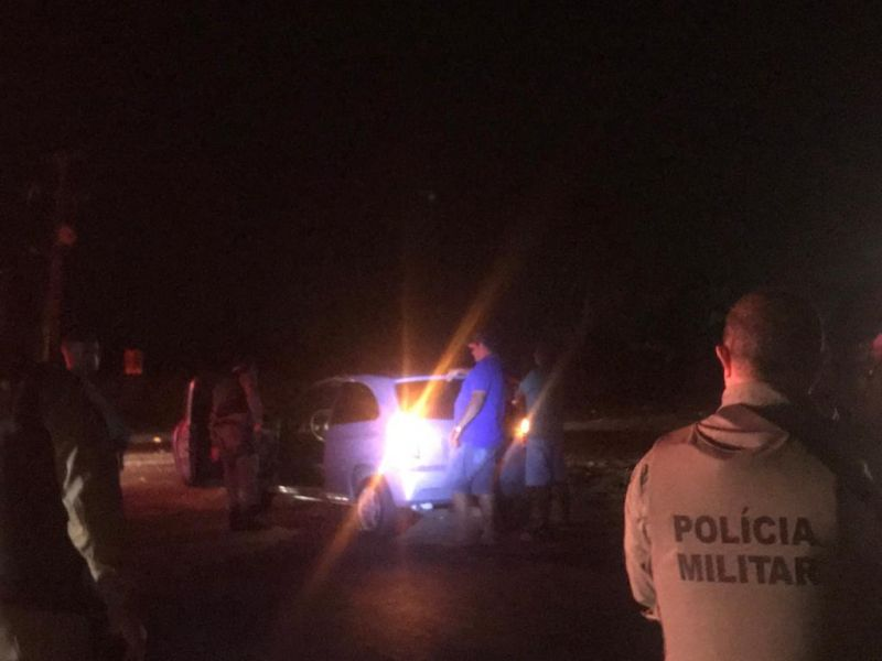 Homem é preso após ser flagrado com arma de fogo durante blitz de rotina