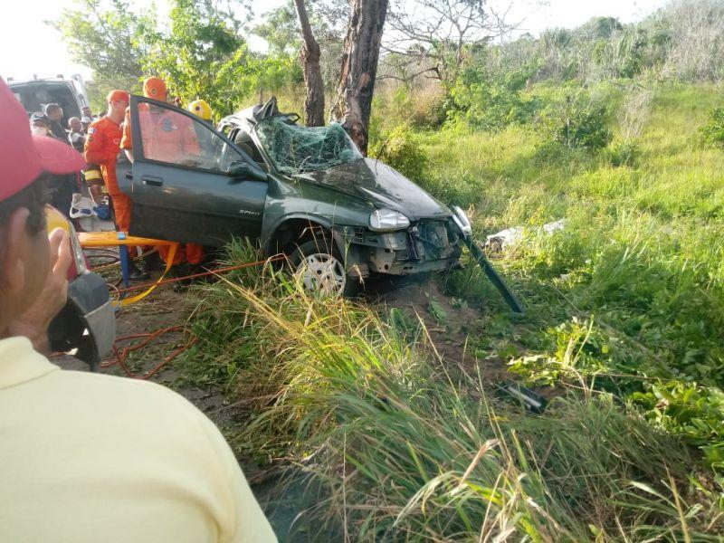 Grave acidente de trânsito deixa jovens de Penedo e Piaçabuçu mortos na AL-101 Sul