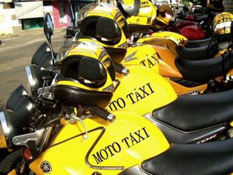 Aprovado projeto de lei que permite o uso de aplicativos para mototaxistas