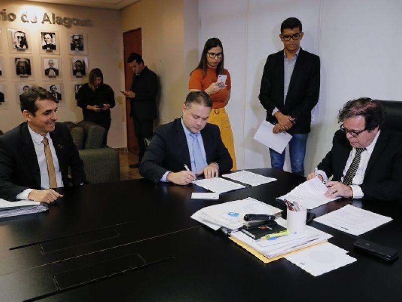 Governo de Alagoas e Tribunal de Justiça firmam convênio para criação da Guarda Judiciária