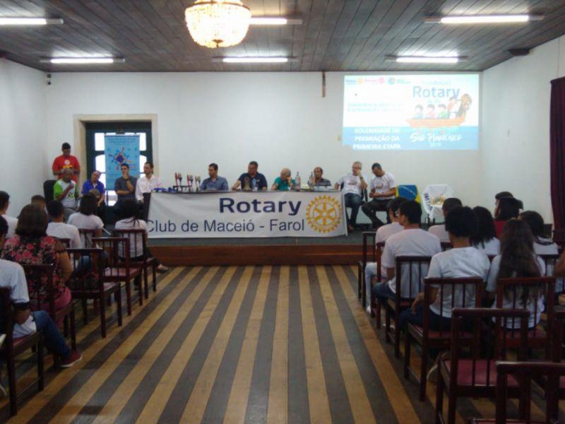 Equipes vencedoras da 1ª etapa das Olimpíadas Rotary do rio São Francisco são premiadas
