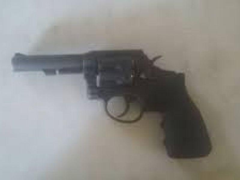 Arma é apreendida por policiais da Caatinga em bar do município de Feira Nova