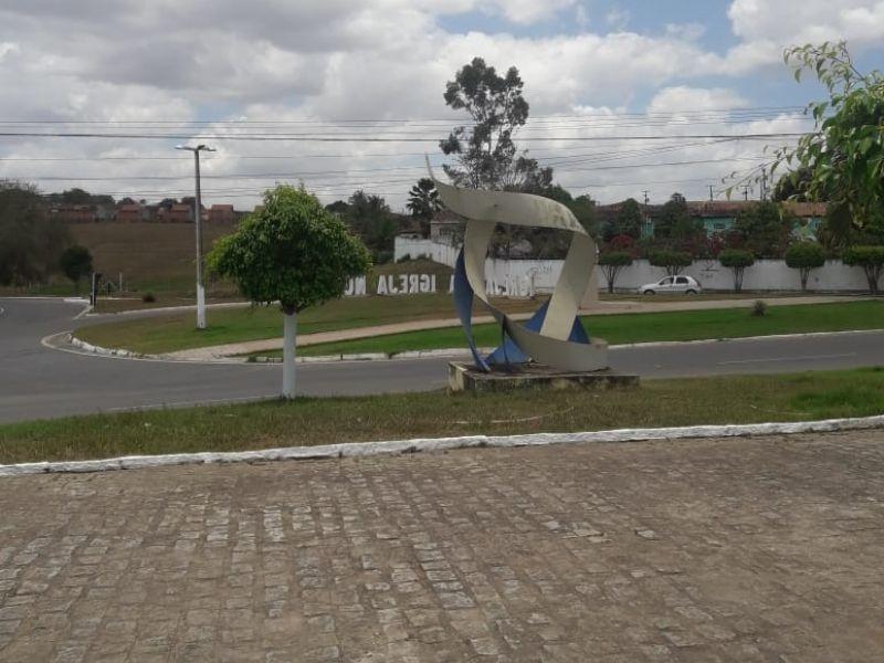 Colisão de motocicleta com caminhão deixa um morto próximo ao matadouro de Igreja Nova