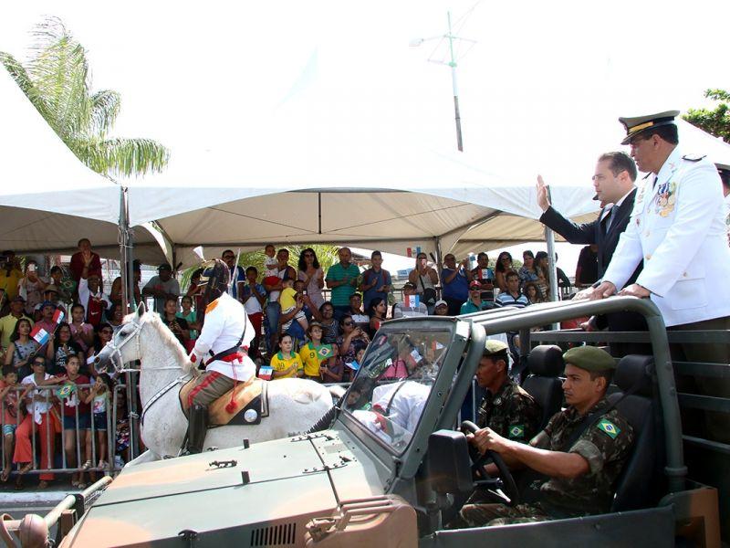 Governador participa do desfile de Independência do Brasil em Maceió