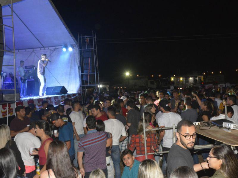 Fotos: Multidão prestigia segundo dia de circuito de vaquejada e shows no Parque 3K
