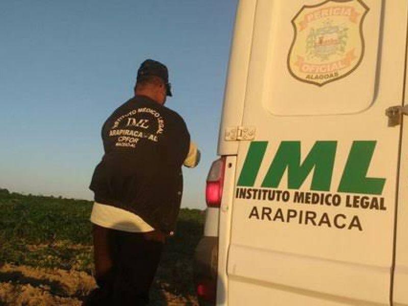 Adolescente morre após perder controle de moto e cair em ribanceira em Penedo