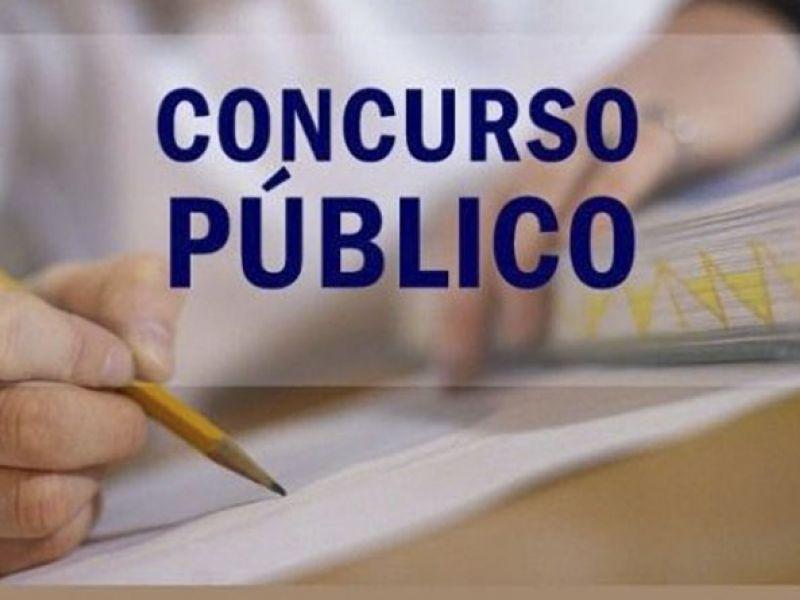 Prefeito Március Beltrão anuncia cargos do concurso público da Prefeitura de Penedo