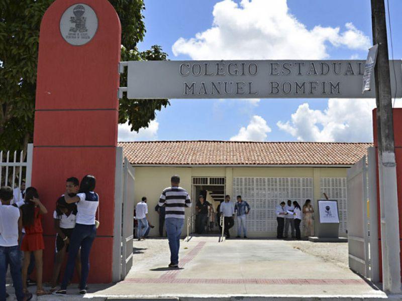 Belivaldo Chagas autoriza construção de quadra esportiva no Colégio Estadual Manuel Bomfim, em Arauá