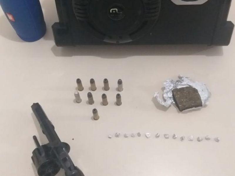 PC prende acusado de tráfico, porte ilegal de arma de fogo e receptação em Penedo