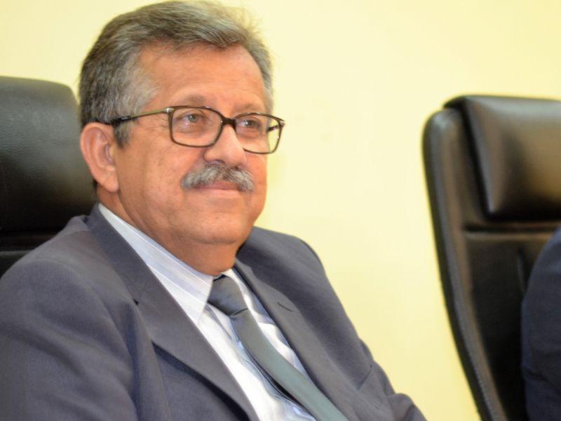 Ernande Pinheiro pede reativação de atendimento odontológico noturno