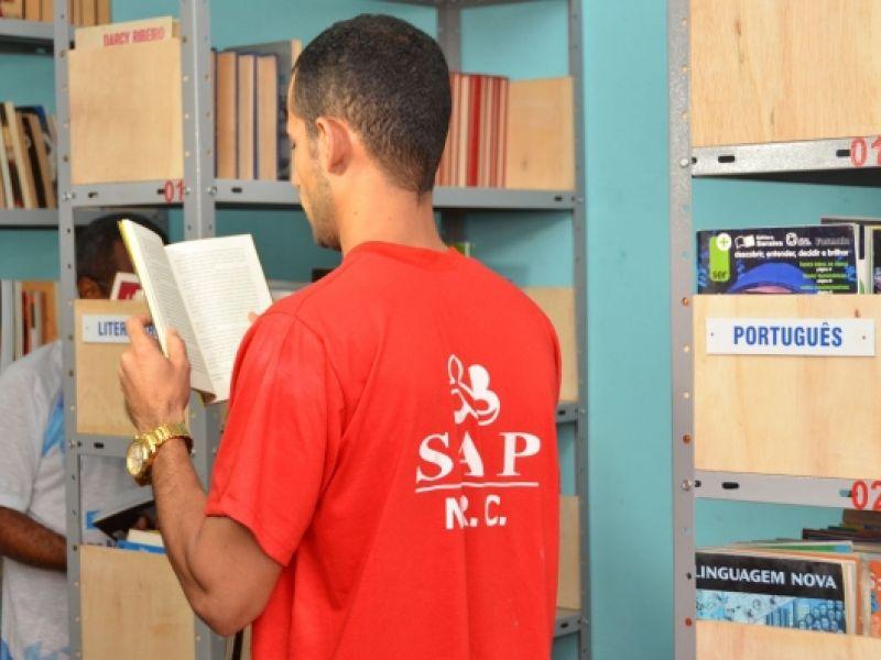 Bibliotecas do sistema prisional de Alagoas somam mais de doze mil livros