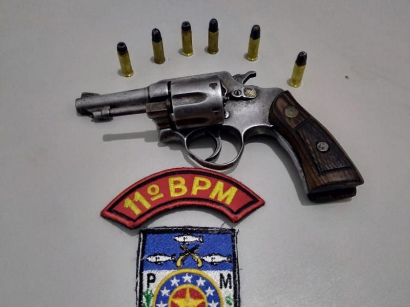 Menor é apreendido pela polícia após ser flagrado com arma de amigo em Piaçabuçu