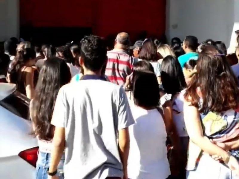 Lojas de Penedo ficam lotadas nas primeiras horas desta sexta, 29, dia do Black Friday