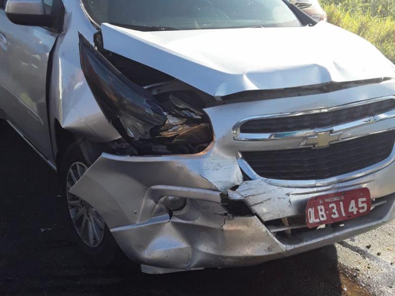 Acidente envolvendo táxi de Piaçabuçu-AL deixa feridos em rodovia sergipana