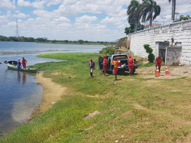 Corpo do sexo feminino é encontrado boiando às margens do Velho Chico em Penedo