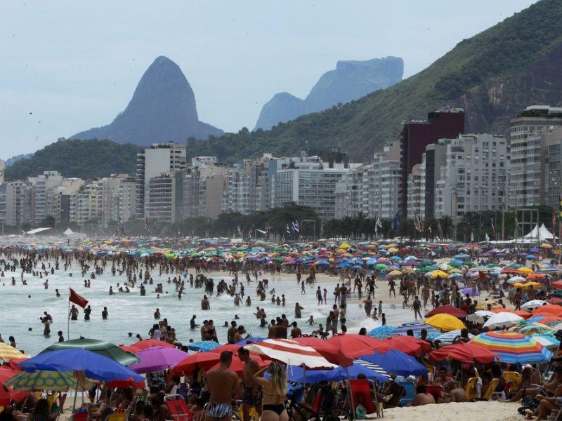 Previsão do tempo para o réveillon é de calor e chuva rápida em boa parte do Brasil