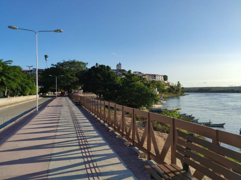 Turistas e penedenses ficam encantados com estrutura da Orla do Barro Vermelho em Penedo