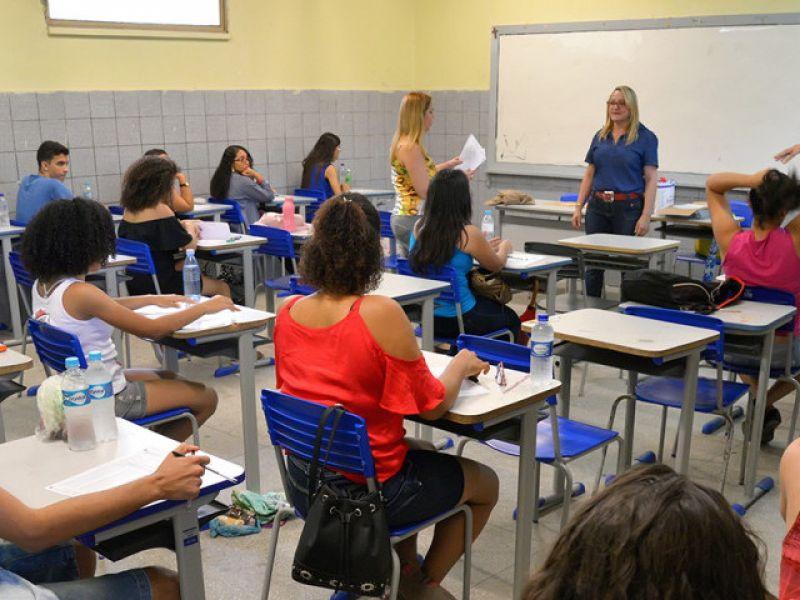 Pré-universitário: mais de 12 mil candidatos são esperados para prova neste domingo, 26
