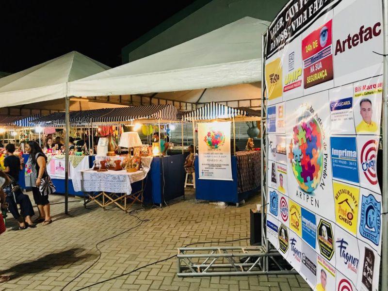 """""""Feira de Artesanato na Praça"""" prepara 9ª edição com show e sorteios em Penedo"""