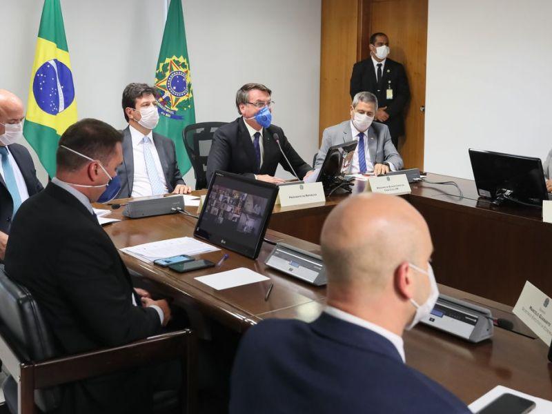 Bolsonaro pede apoio de empresários no combate ao coronavírus