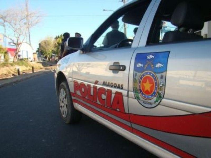 PM garante cumprimento de decreto emergencial e fecha fábrica em Penedo