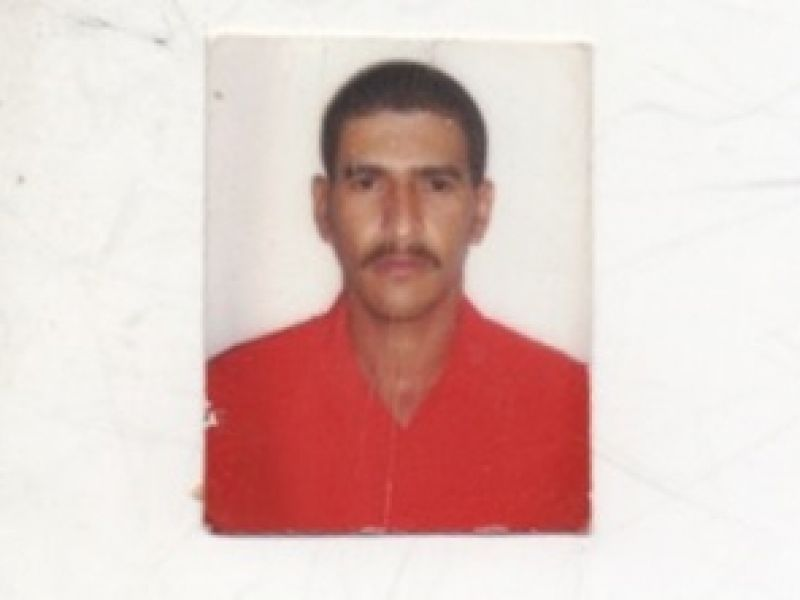 Homem fica sem transporte, caminha por horas e consegue encontrar família em Penedo